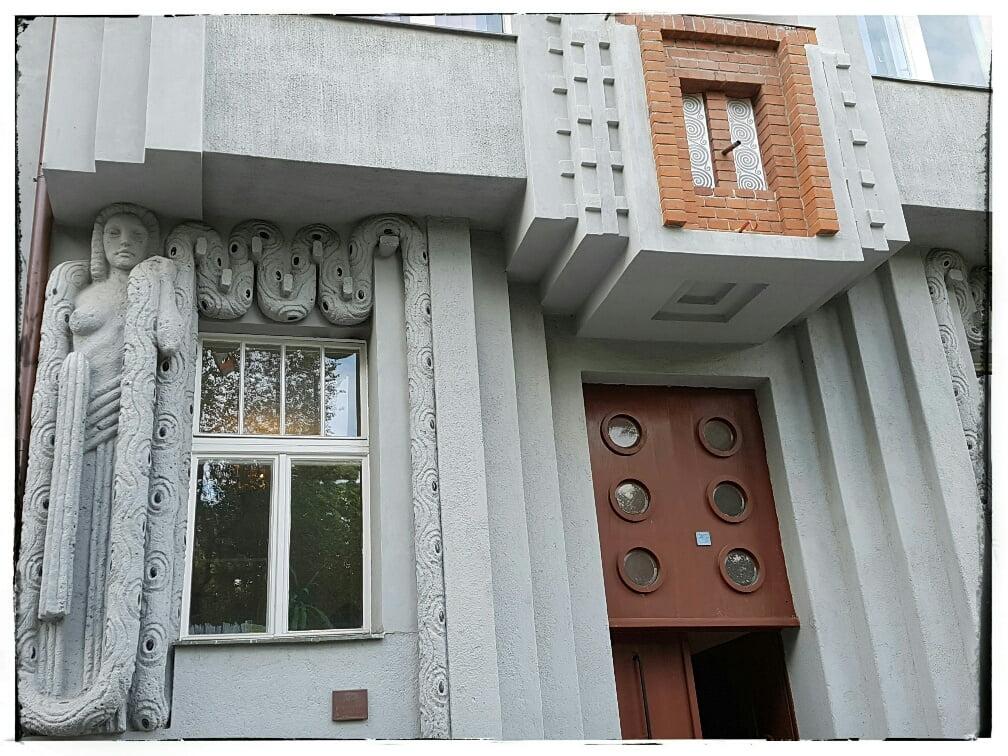 BW House 2
